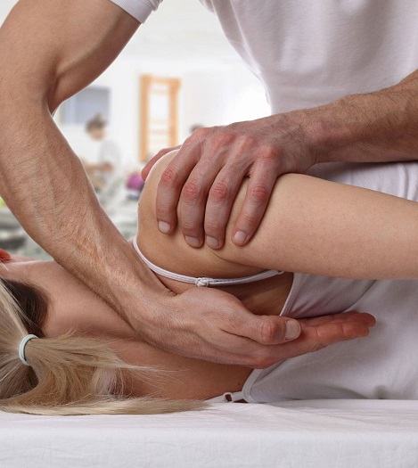 Chiropractic experts reposing spine massage